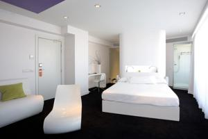 hotels-in-center-of-madrid-room-mate-oscar-8