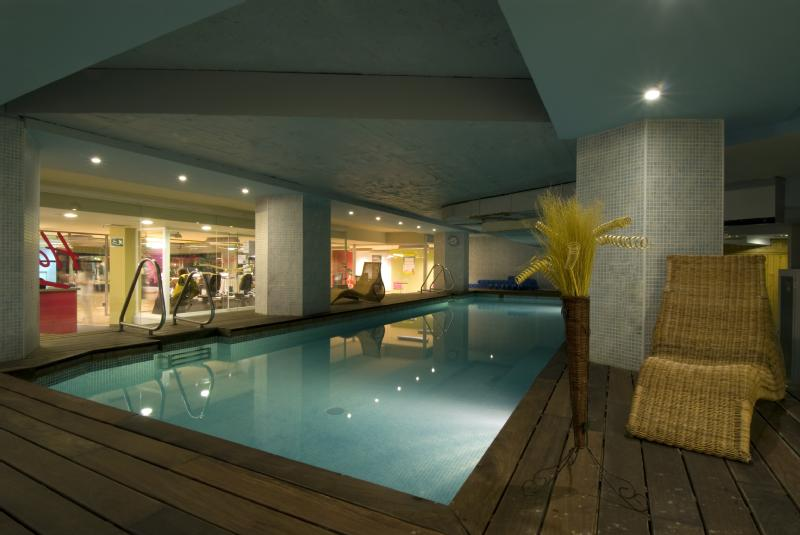 hotels with swimming pool in Madrid