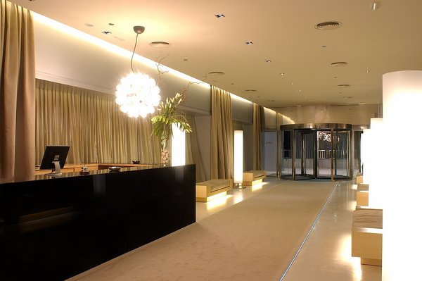 Madrid airport accommodation. Nuevo Madrid Hotel