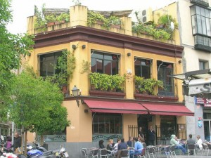 Breakfast restaurants in Madrid Spain. El Viajero Restaurant and Bar