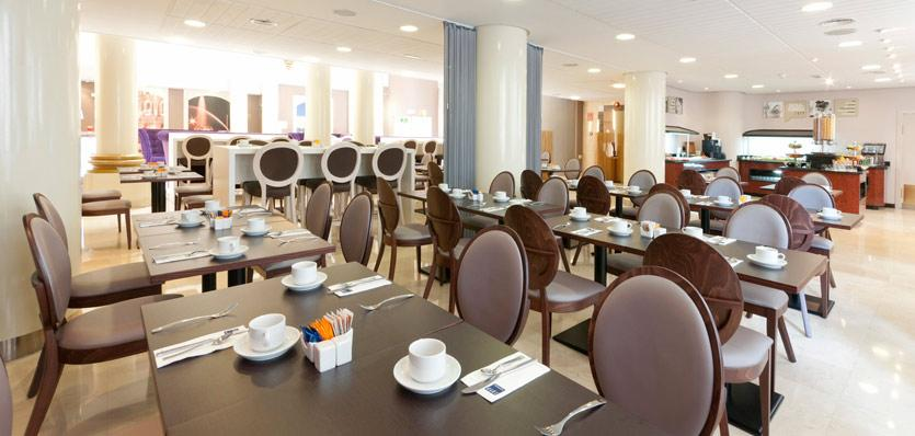 Hotels in Madrid. Tryp Madrid Cibeles Hotel