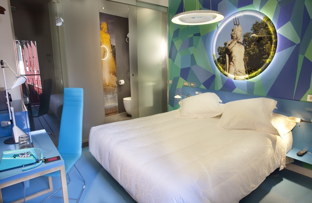 Cool hotels in madrid posada del drag n the for Cool accommodation