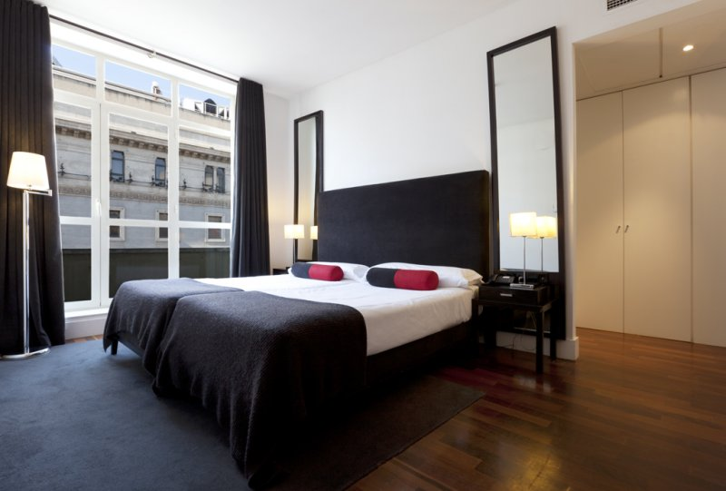 Hotel in madrid city center quatro puerta del sol the for Hotel puerta de sol
