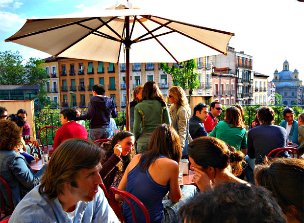 The best terrace bars in madrid the information you for Edificio de correos madrid