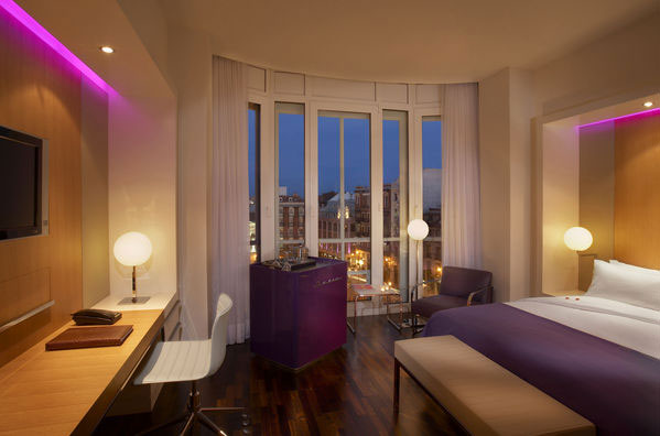 Boutique hotels in madrid hotel me reina victoria the for Design boutique hotel madrid